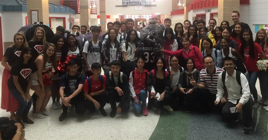 Chinese Delegation Visits Austin High School