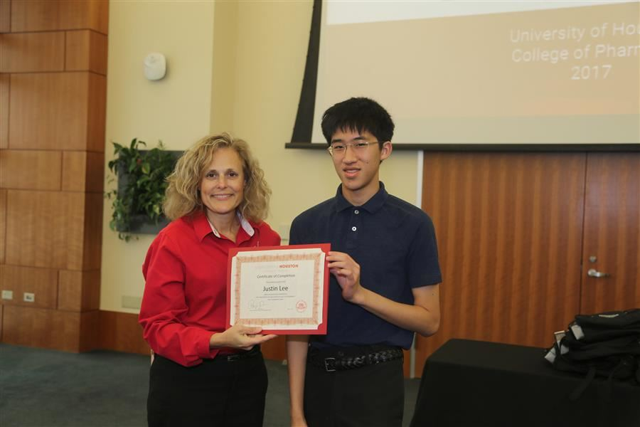 MedSci Student Completed UH Pharmacy Summer Camp