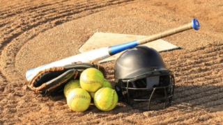 FBISD softball teams advance to state playoffs (4/23/2019)